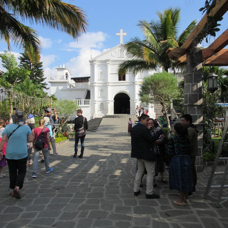 iglesia catolica san pedro la laguna